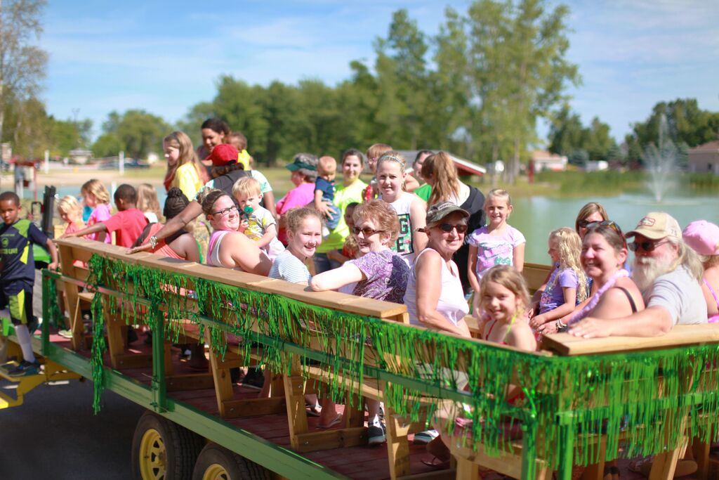 saginaw bay resort hayride