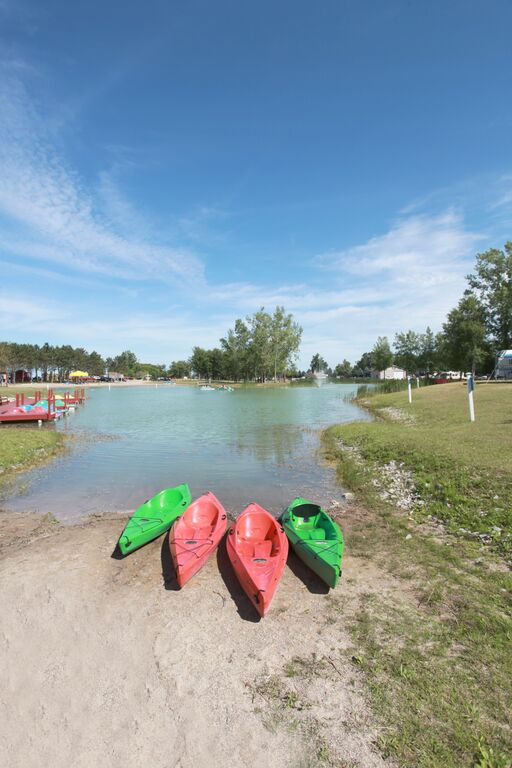 saginaw bay resort kayaks