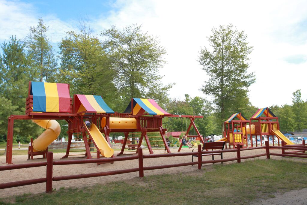 saginaw bay resort playground
