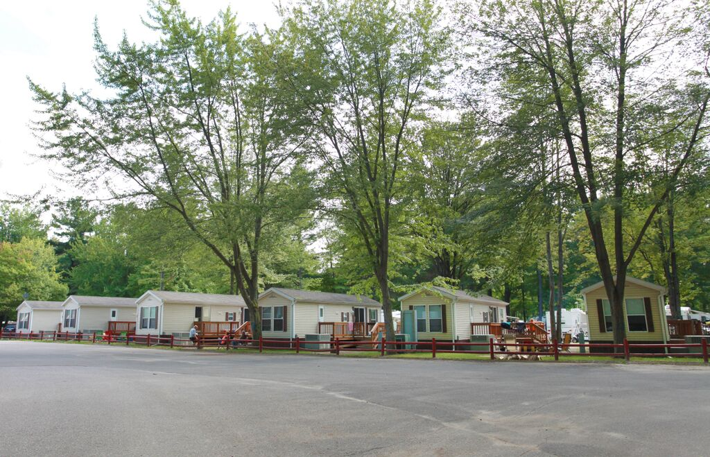 saginaw bay resort rentals
